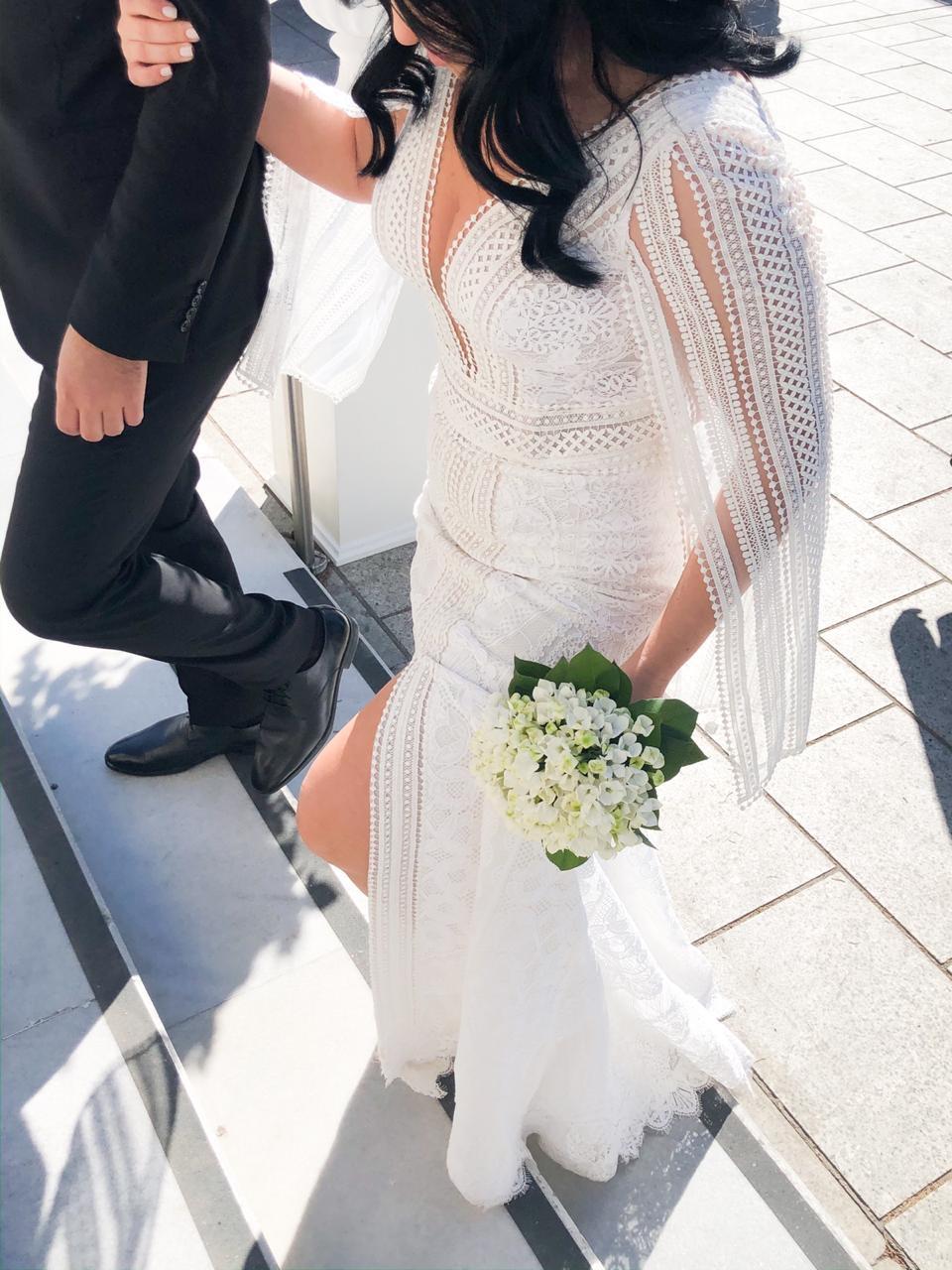Χειμωνιάτικος γάμος και βάφτιση σε λευκές και γκρι αποχρώσεις
